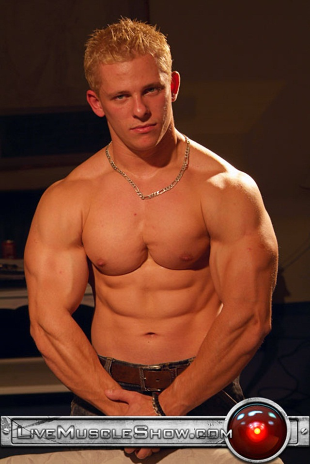 Johnny Dirk Naked bodybuilder Live Muscle Show Gay webcam Chat Check out on Facebook