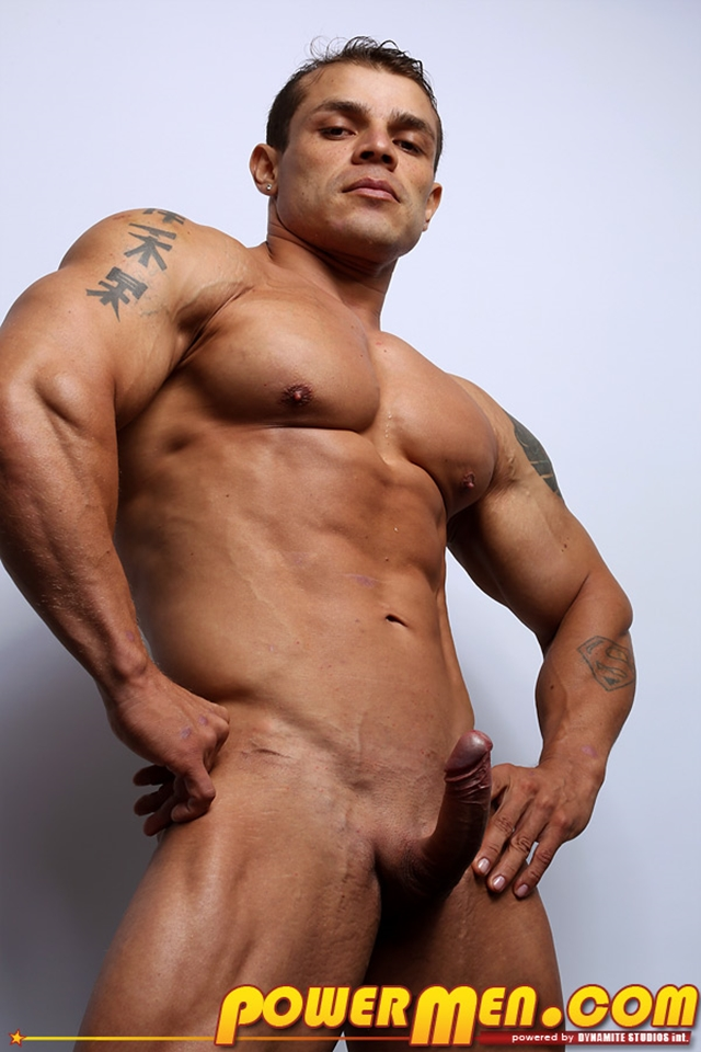 Muscled-bodybuilder-Clayton-Cobb-PowerMen-nude-gay-porn-muscle-men-hunks-big-uncut-cocks-tattooed-ripped-bodies-hung-07--pics-gallery-tube-video-photo