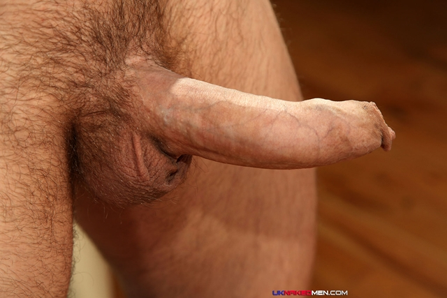 Nick-Cheney-UKNakedMen-hairy-young-men-muscle-studs-British-gay-porn-English-Guys-Uncut-Cocks-05-pics-gallery-tube-video-photo