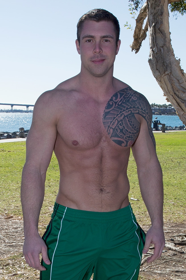 Tattooed-muscle-hunk-Bran-SeanCody-bareback-gay-ass-fuck-American-boys-men-ripped-abs-jocks-raw-sex-porn-01-pics-gallery-tube-video-photo