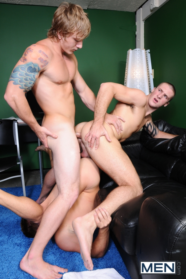 Connor-Kline-and-Mike-De-Marko-Men-com-Gay-Porn-Star-hung-jocks-muscle-hunks-naked-muscled-guys-ass-fuck-group-orgy-10-gallery-video-photo