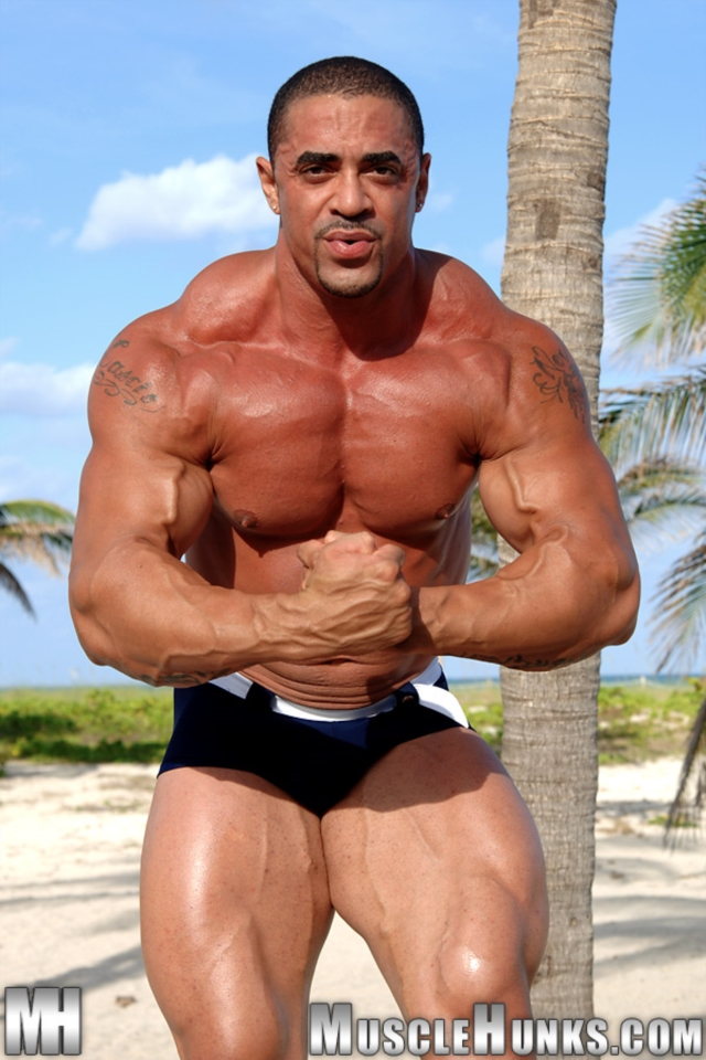 Eddie-Camacho-Muscle-Hunks-nude-gay-bodybuilders-porn-muscle-men-muscled-hunks-big-uncut-cocks-tattooed-ripped-03-gallery-video-photo