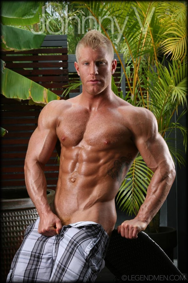 Johnny-V-Legend-Men-Gay-Porn-Stars-Muscle-Men-naked-bodybuilder-nude-bodybuilders-big-muscle-huge-cock-012-gallery-video-photo