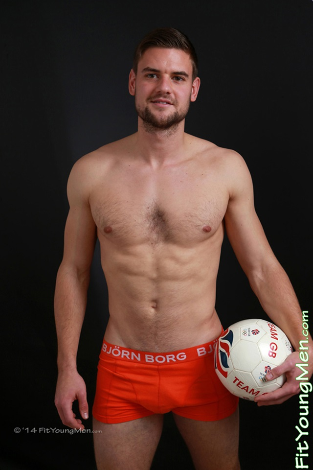 Nude-young-sportsmen-uncut-dick-mm004533-fit-young-men-tom-boyd-gallery-video-photo