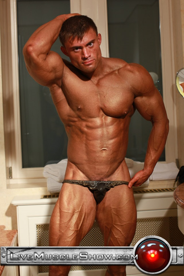 Rocky-Remington-Live-Muscle-Show-Gay-Porn-Naked-Bodybuilder-nude-bodybuilders-gay-fuck-muscles-big-muscle-men-gay-sex-001-gallery-video-photo
