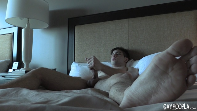 Zach-Rode-Gay-Hoopla-young-nude-boys-big-dick-muscleboys-muscle-lads-jerking-009-gallery-video-photo
