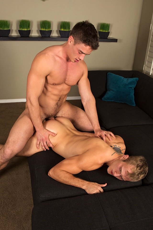 Gabe-and-Blake-Sean-Cody-bareback-gay-porn-naked-men-ass-fuck-American-boys-male-muscle-jocks-raw-butt-fucking-sex-002-gallery-photo