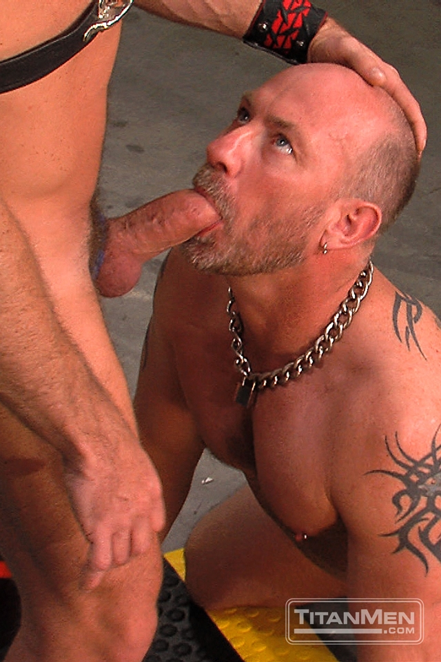 Ethan-Ayers-and-Blake-Oscar-Titan-Men-gay-porn-stars-rough-older-men-anal-sex-muscle-hairy-guys-muscled-hunks-003-male-tube-red-tube-gallery-photo