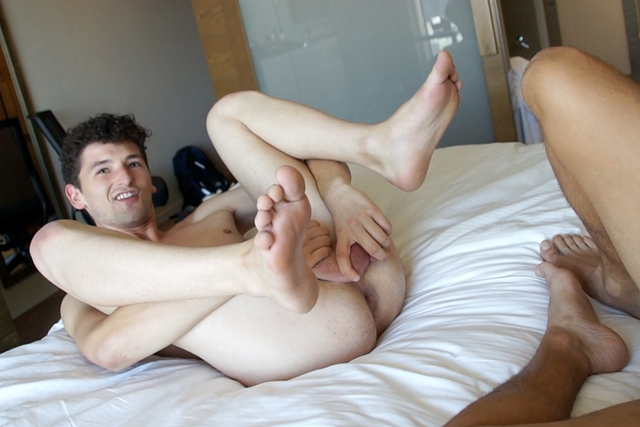 bentley-race-Chris-Wyld-loves-fucked-Diego-Sanchez-thick-uncut-dick-006-male-tube-red-tube-gallery-photo