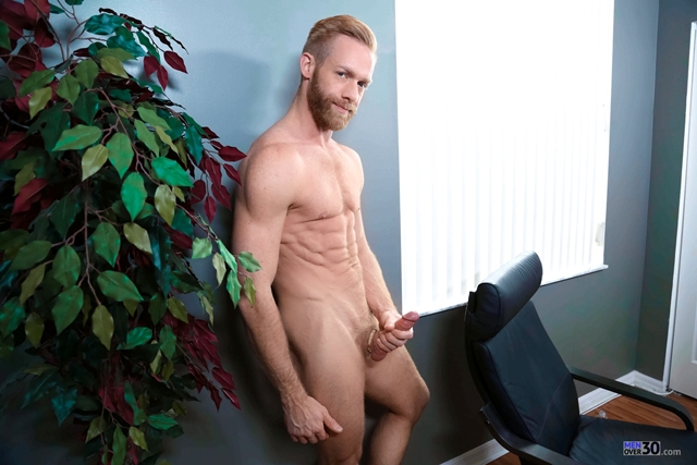 Men-Over-30-Christopher-Daniels-jerks-stroking-massive-cock-huge-cumshot-cum-explosion-012-male-tube-red-tube-gallery-photo