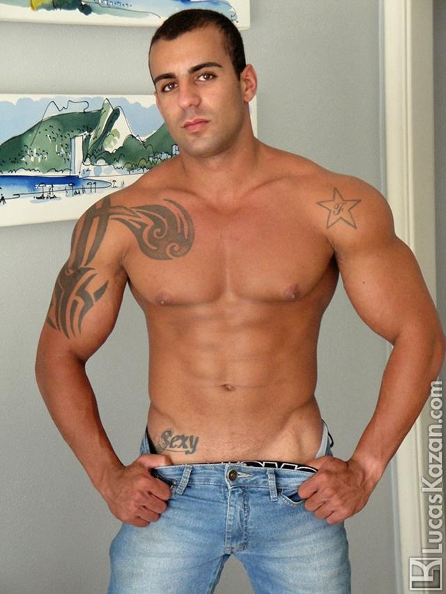 Lucas-Kazan-tattoo-22-years-old-Gabriele-broad-shoulders-pecs-chiseled-sixpack-rock-hard-body-beach-jock-004-male-tube-red-tube-gallery-photo
