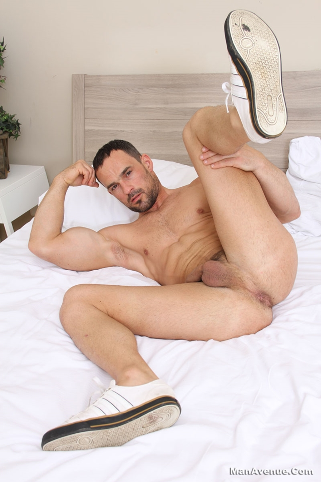 Man-Avenue-Joshua-X-hot-stud-ripped-muscle-body-hard-erect-uncut-cock-master-big-dick-flex-sweat-strokes-007-male-tube-red-tube-gallery-photo