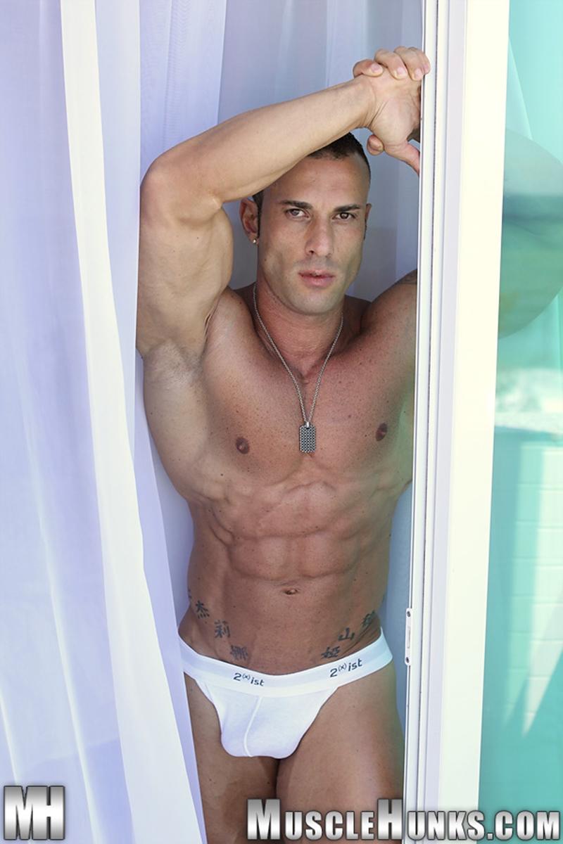 MuscleHunks-Sicilian-superstar-Gianluigi-Volti-muscle-handsome-super-ripped-super-hung-super-sexy-bodybuilder-008-tube-download-torrent-gallery-photo
