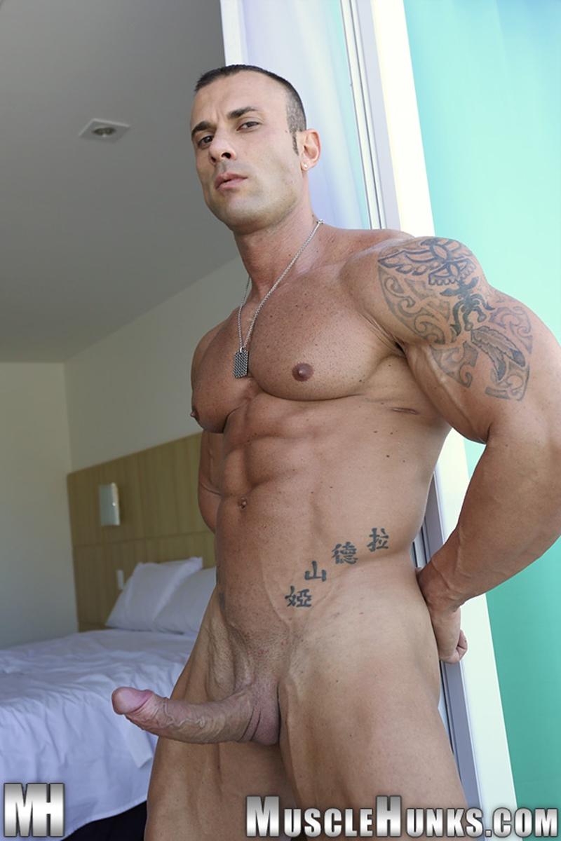 MuscleHunks-Sicilian-superstar-Gianluigi-Volti-muscle-handsome-super-ripped-super-hung-super-sexy-bodybuilder-011-tube-download-torrent-gallery-photo