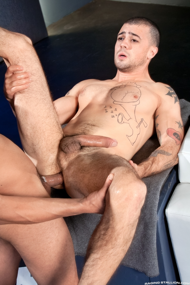 RagingStallion-Jake-Jammer-Rey-Luis-feet-sucks-cock-juices-bubble-butt-ass-hole-tongue-fuck-014-tube-download-torrent-gallery-photo