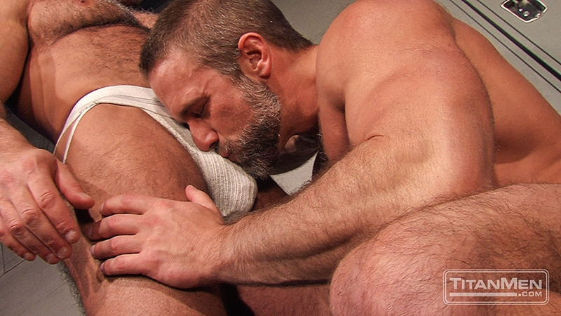 TitanMen-Jesse-Jackman-Dirk-Caber-massive-muscles-sucking-deep-strokes-fucks-dick-bottom-hole-009-tube-download-torrent-gallery-photo