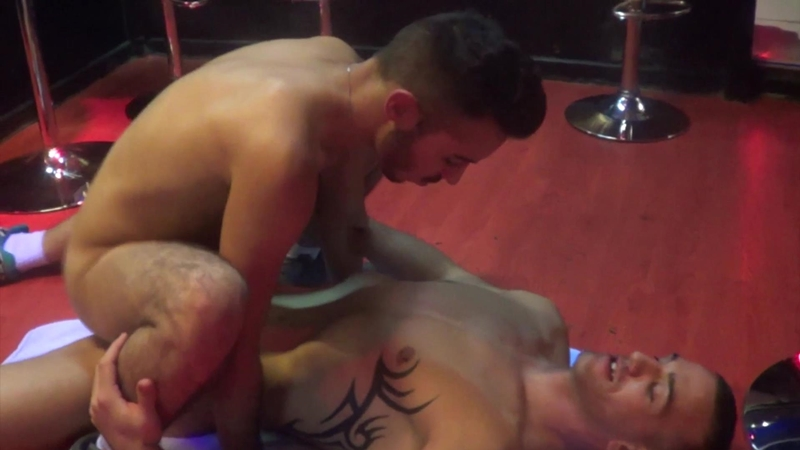 FrenchDudes-Alex-Kiffeur-all-fours-Kevin-Sportswear-pounding-ass-doggy-style-Rekins-lubes-up-double-penetration-balls-ass-blowjob-009-tube-download-torrent-gallery-photo