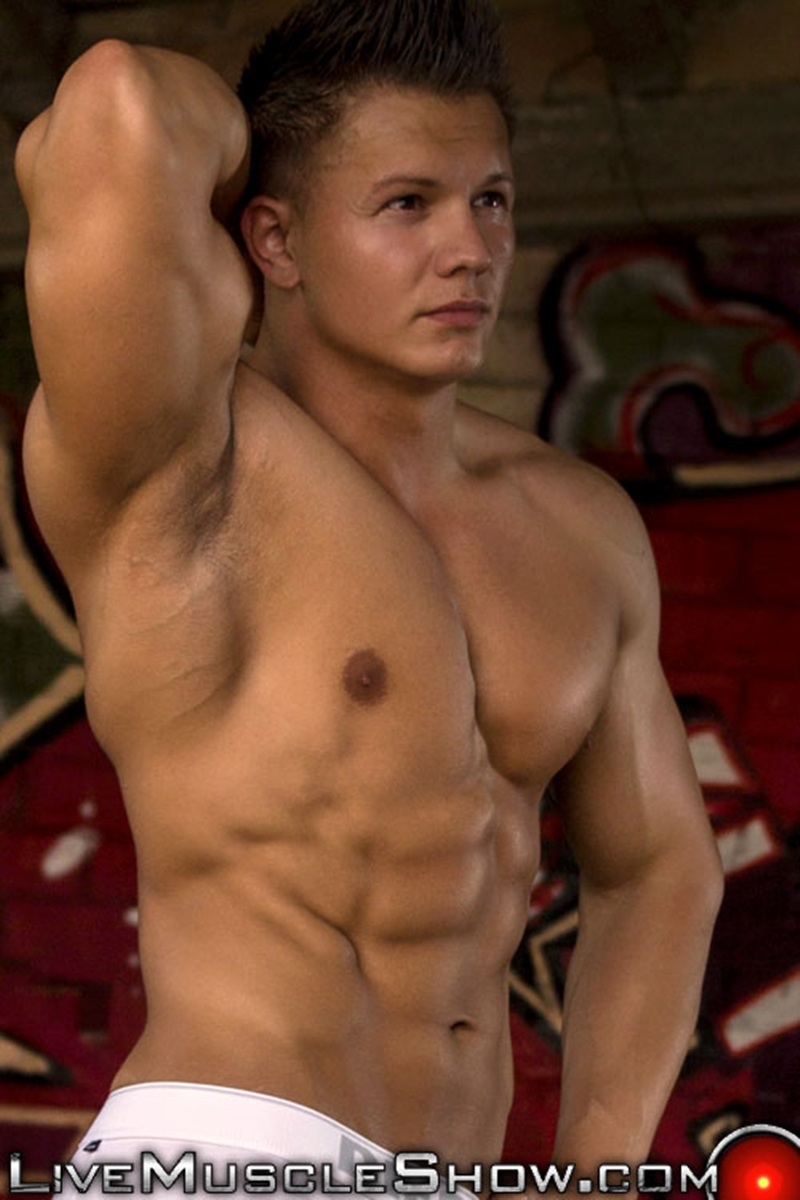 LiveMuscleShow-Young-natural-built-Dario-DeMarco-Olympian-massive-biceps-pecs-six-pack-abs-muscle-worship-live-gay-sex-004-tube-download-torrent-gallery-sexpics-photo