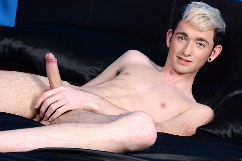 Staxus-Billy-Rubens-blond-Jacob-Daniels--horny-big-dick-tight-boy-hole-bottom-sexual-positions-young-lads-hot-boy-cum-001-tube-download-torrent-gallery-sexpics-photo