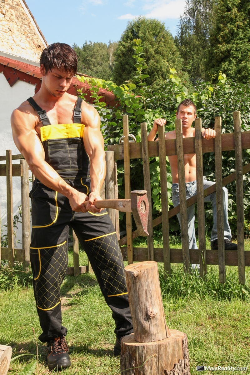 MaleReality-Hard-at-work-in-some-construction,-sexy-guys-Ennio-Guardi-and-Mazus-deserve-a-break-008-tube-download-torrent-gallery-sexpics-photo
