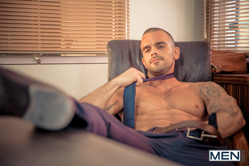 Men-com-horny-muscle-tattoo-stud-Damien-Crosse-big-dick-sexy-guy-Juan-Lopez-man-blowjob-fucks-ass-hole-hard-dick-001-tube-download-torrent-gallery-sexpics-photo