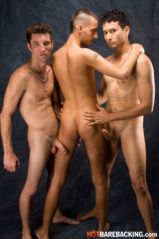 Hot bareback threesome with Gabriel D'Alessandro and Gio Ryder and RJ Cummings