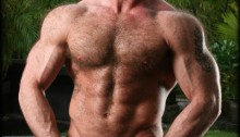 Hairy big muscle bodybuilder Tatum Parks jerks out a huge cum load