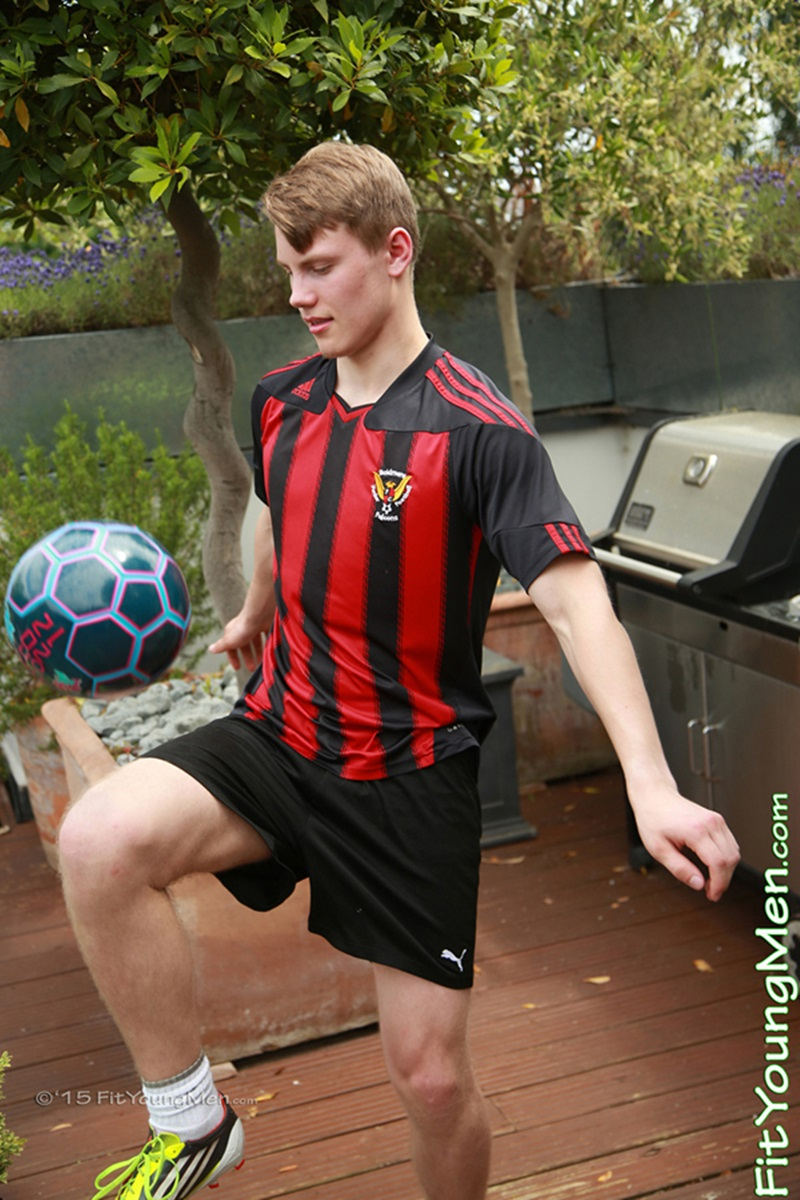 FitYoungMen-Andy-Mason-Footballer-soccer-player-Age-20-years-old-Straight-muscle-boy-ripped-six-pack-abs-big-uncut-dick-sexy-men-underwear-002-gay-porn-sex-porno-video-pics-gallery-photo