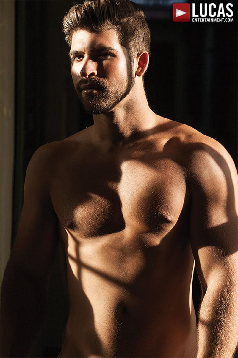 LucasEntertainment-bareback-ass-fucking-Jonah-Fontana-big-thick-long-bare-dick-Ashton-Summers-handsome-face-hot-body-rough-raw-anal-sex-007-gay-porn-tube-star-gallery-video-photo