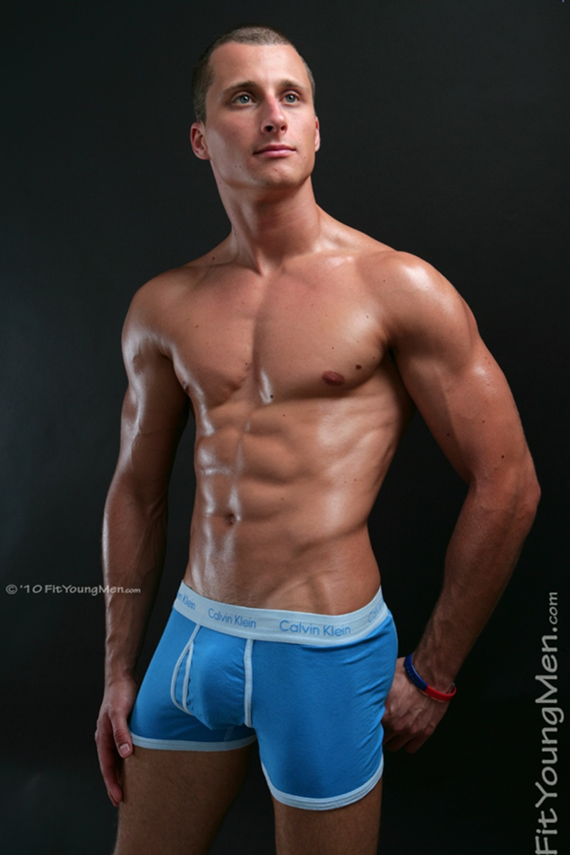 FitYoungMen-Kris-ONeil-Mountain-Biker-Age-24-years-old-Straight-young-naked-dude-sexy-tight-underwear-men-ripped-six-pack-abs-crotch-bulge-big-005-gay-porn-sex-gallery-pics-video-photo