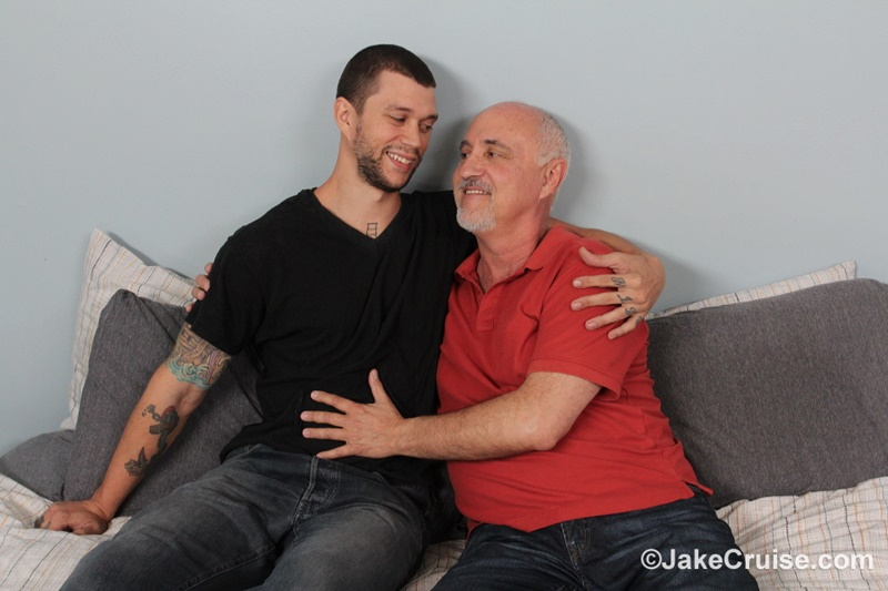 JakeCruise-Mike-Fox-hunk-muscle-man-thick-9-inch-dick-jake-cruise-mature-older-man-sucking-cocksucker-young-dude-fucking-ass-anal-rimming-002-gay-porn-sex-gallery-pics-video-photo