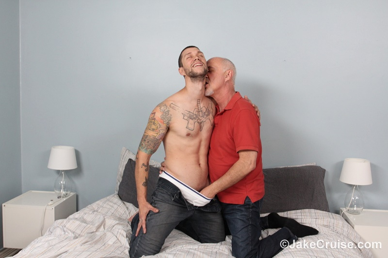 JakeCruise-Mike-Fox-hunk-muscle-man-thick-9-inch-dick-jake-cruise-mature-older-man-sucking-cocksucker-young-dude-fucking-ass-anal-rimming-006-gay-porn-sex-gallery-pics-video-photo