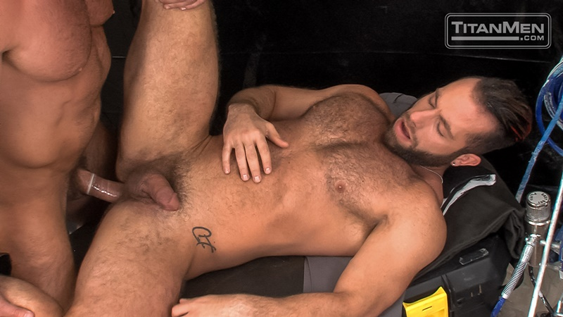 titanmen-naked-muscle-dudes-parole-officers-bruce-beckham-eddy-ceetee-hardcore-anal-fucking-big-thick-large-dick-fucking-anal-rimming-021-gay-porn-sex-gallery-pics-video-photo