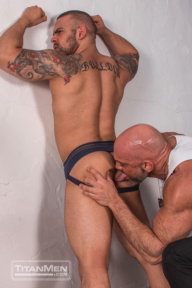 titanmen-naked-older-matur-muscle-men-parole-officer-jesse-jackman-fucks-ass-parolee-lorenzo-flexx-big-thick-long-dick-cocksucker-003-gay-porn-sex-gallery-pics-video-photo