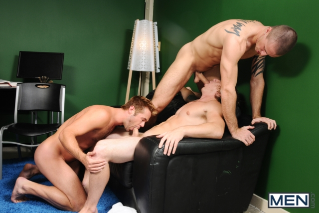 Connor-Kline-and-Mike-De-Marko-Men-com-Gay-Porn-Star-hung-jocks-muscle-hunks-naked-muscled-guys-ass-fuck-group-orgy-02-gallery-video-photo