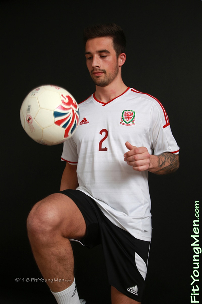 FitYoungMen-sexy-young-guy-Lucas-Brookes-naked-Footballer-Age-24-years-old-Straight-big-uncut-dick-english-men-nude-crotch-bulge-underwear-002-gay-porn-sex-gallery-pics-video-photo
