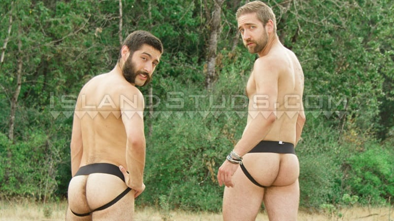 Bearded totally hairy outdoor Oregon jocks uncut Andre and furry cock Mark in hot duo action