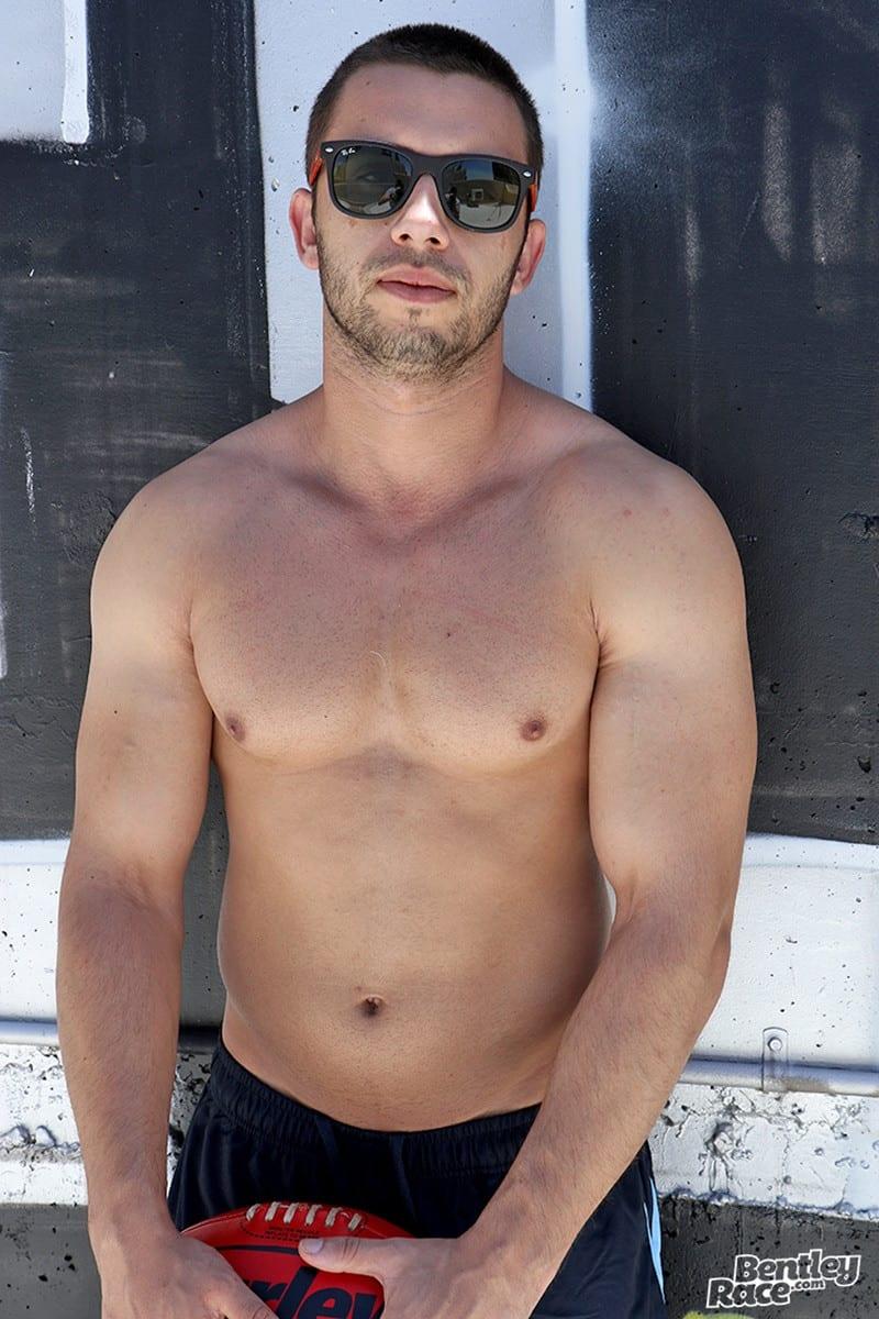 naked gay musclemen bodybuilder