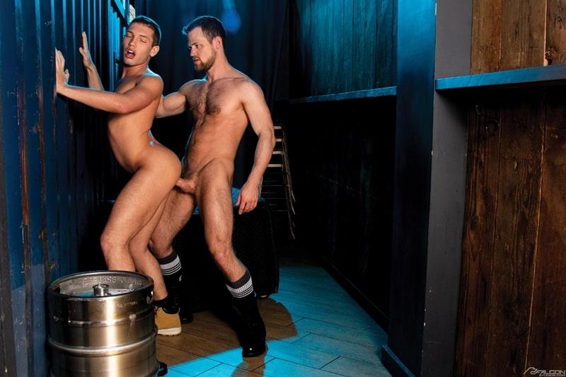 Bottom-boy-Hunter-Smith-hardcore-ass-fucking-anal-rimming-Kurtis-Wolfe-massive-cock-FalconStudios-012-gay-porn-pics-gallery