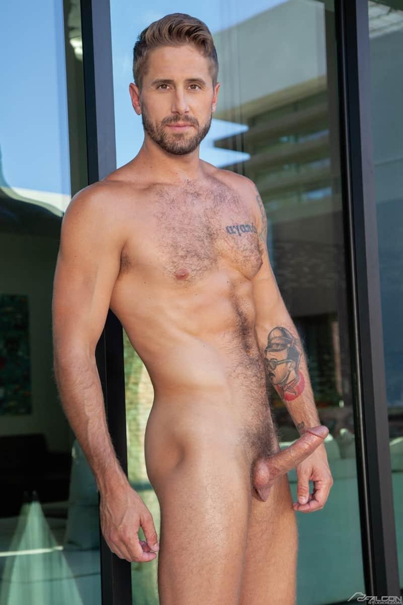 Sexy-muscle-stud-Wesley-Woods-hot-top-Steven-Lee-huge-bareback-cock-FalconStudios-004-Gay-Porn-Pics